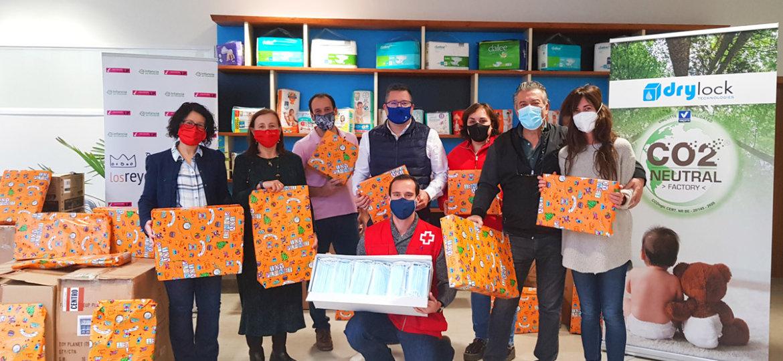 Donación de mascarillas y juguetes